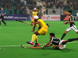 Pakistan Beat India 4 2 In Penalty Shoot Out