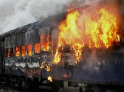 Killed As Bangalore Nanded Express Catches Fire