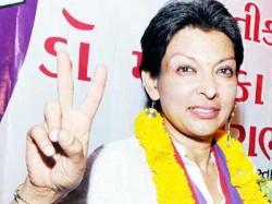 Noted Danseuse Mallika Sarabhai Join Aap