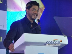 Shahrukh Plans Special Performance At Zee Cine Awards