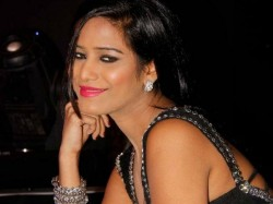 Poonam Panday Website Hacked Pro Pak Message Posted
