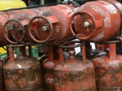 Cabinet May Consider Raising Lpg Cylinder Cap To 12 Thursday