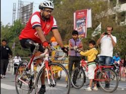 A Handicapped Cyclist Participates Sabarmati Cyclothon