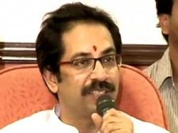 Uddhav Thackeray Hits At Mns Chief Backing Modi 016549 Lse