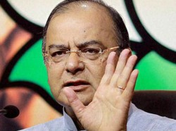 Minor Mishap Disturbs Arun Jaitleys Roadshow In Amritsar Lse