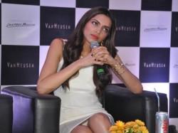 Rekha Akshay Best Dressed Bollywood Deepika Wardrobe Malfunction
