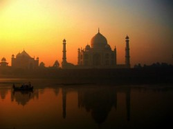 Taj Mahal Red Fort Be Developed As Model Monuments