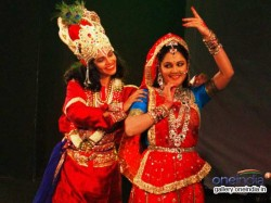 Gracy Singh Performs The Cause Global Warming