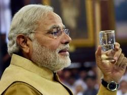 Narendra Modi Praise Anandiben S Work Lse