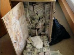Cash Gold Worth 1 59 Crore Found Gujarat School Lockers