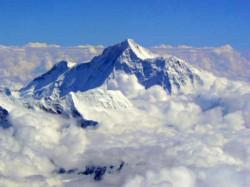 http://gujarati.oneindia.com/img/250x90/2014/06/17-himalayas-glaciers.jpg