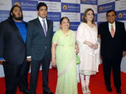 Ril 40th Agm Nita Ambani Join Board Rel Jio Trials Will Start In August