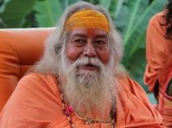 Shankaracharya Lashesh Out On Uma Bharti