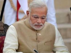 Pm Modi Issues 19 New Commandments Bureaucrats