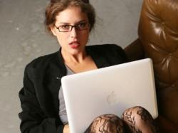 Naked Therapist Helps Treat Men Online
