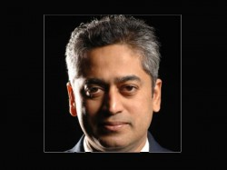 Video Rajdeep Sardesai Heckled A Mob Outside Madison Square
