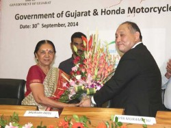 Honda Motorcycles Signs Agreement With Gujarat Setting Up Two Wheeler Unit