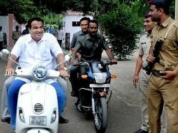 Nitin Gadkari Rides Scooter Without Helmet Nagpur
