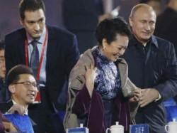 China Sensors Russian President Vladimir Putin S Moment With China First Lady