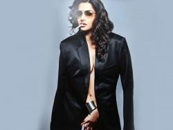 Vidya Balan Birthday Hottest Sensual Seductive Pictures