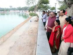 Sushma Swaraj Supervises Pravasi Bharatiya Divas Preparations
