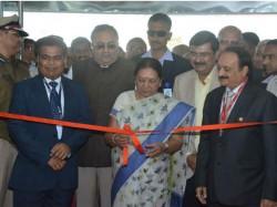 Gujarat Cm Opens Gem Jewelry Exhibition Sparkle International
