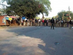 Communal Clashes Near Bharuch On Kite Flying Issue 3 Died 10 Injured