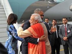 Modi Obama Hug Tremors Felt Pakistan