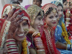 Extra Comedy Of Groom S Friends Leads To The End Of Marriage Ceremony