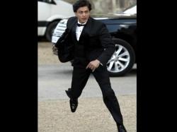 Leaked Pics Shahrukh Khan Contrasting Avatars In Film Fan