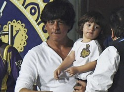 Srk Akshay Ritesh Deshmukh Make Their Children Top Trend On Twitter