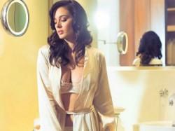 Evelyn Sharma Hot Photoshoot Maxim April