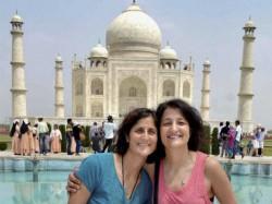 Pics Sunita Williams Visits Taj Mahal