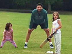 Pics Cricketer Shahid Afridi Cricket Are Playing Cricket With His Daughters