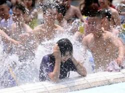 Video Thousands Men Molest Sexually Harass Women Water Park