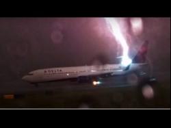 Caught On Camera Lightning Strikes Delta Plane In America