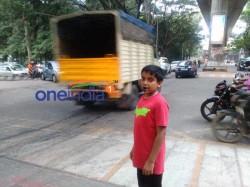 Really Inspiring 13 Year Old Manages Trafficin Bengaluru