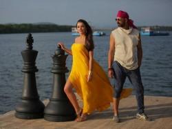 Akshay Kumar S Singh Is Bliing Box Office Record