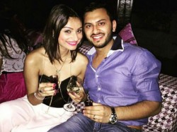 Dimpy Ganguly Ex Wife Of Rahul Mahajan Announces She Is Engaged 027588 Pg
