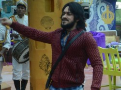 Qubool Hai S Ex Actor Rishabh Sinha Enter Bigg Boss 9 House As Wild Card Entry