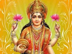 How To Please Goddess Lakshmi On This Diwali