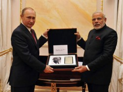 In Pics Watch Pm Modi President Putin S Meeting Moscow Russia