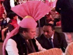 At Granddaughter S Wedding Nawaz Sharif Wears Pink Turban Gifted By Pm Modi