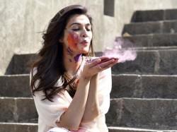 Kriti Sanon S Holi Special Photoshoot Is Just Wow