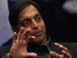 Watch Shoaib Akhtar Got Angry On Tv Anchor Mocks Pakistans Defeat