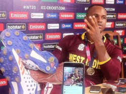 Marlon Samuels Misbehaves During Post Match Media Interactions