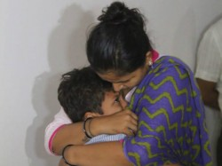 Kid Rescued From Kidnapper In Ahmedabad With Help Police
