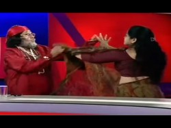 Bigg Boss 10 Contestant Swami Omji Scuffle With Woman On Tv