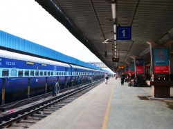 Rpf Arrest Suspected Women From Okha Railaway Station
