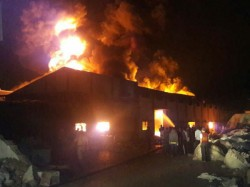 Huge Fire At Kutch S Kasez 3 Companies Facing Heavy Loss